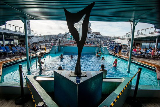 The Triton's Pool on Carnival Victory