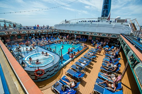 The Siren's Pool on Carnival Victory