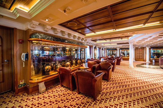 Ionian Cigar Room on Carnival Victory