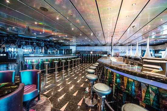 Club Arctic on Carnival Victory
