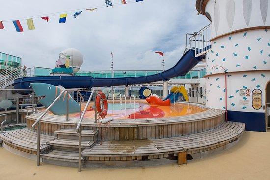 Adventure Beach Kids Pool on Radiance of the Seas