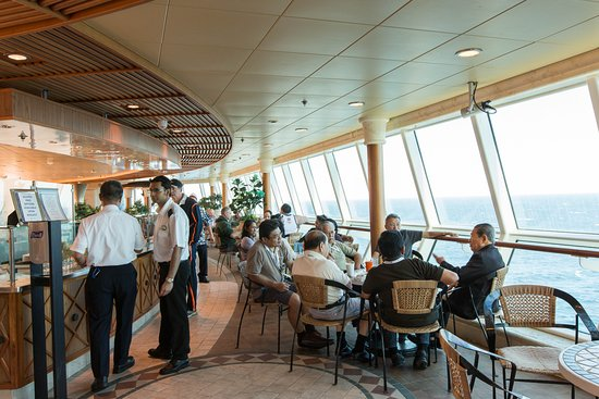 Park Cafe on Radiance of the Seas