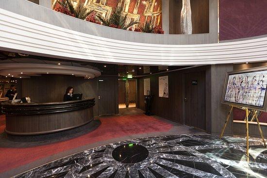 Concierge Lounge on MSC Divina
