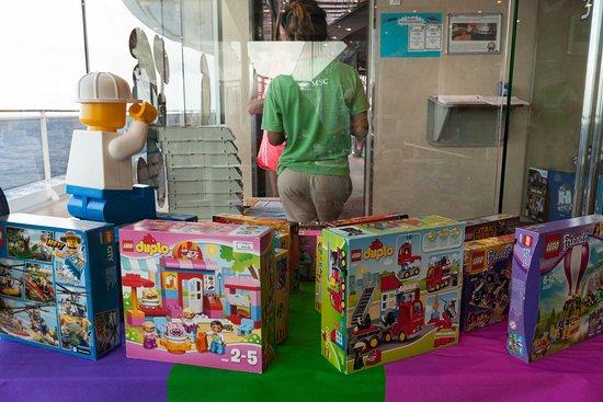 I Puffi Kids' Club on MSC Divina