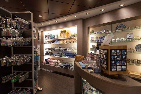 MSC Logo Shop on MSC Divina
