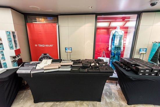Centrum Shops on Rhapsody of the Seas
