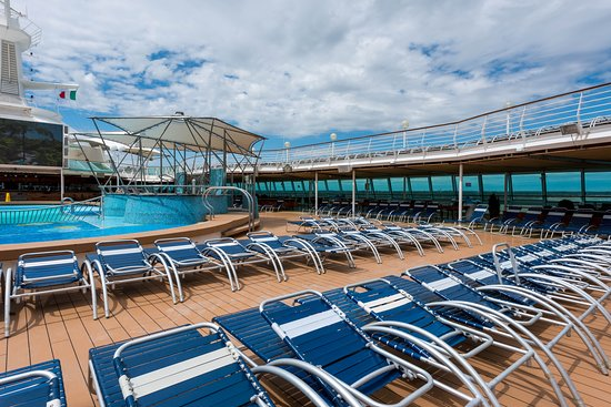 The Main Pool on Rhapsody of the Seas