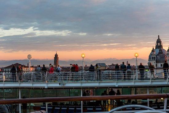 Rhapsody of the Seas: The Sun Decks on Rhapsody of the Seas