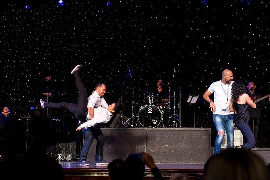 Rhapsody of the Seas: Karaoke and Dance Finals on Rhapsody of the Seas