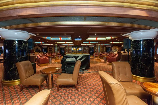 Winston's Bar on Carnival Valor