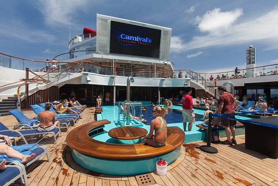 The Argonaut Pool on Carnival Valor