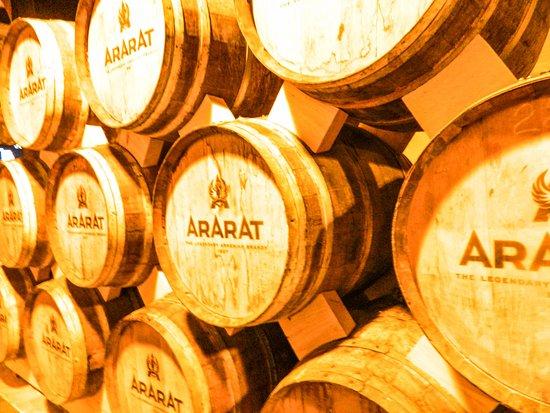Yerevan Brandy Factory: Бочки