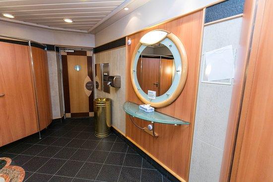 Restrooms on Jewel of the Seas