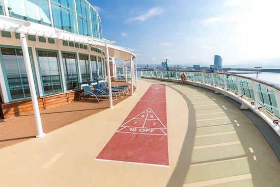 Jewel of the Seas: Shuffleboard on Jewel of the Seas