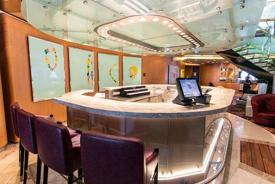 Lobby Bar on Jewel of the Seas