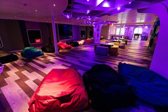 Club HAL on Koningsdam