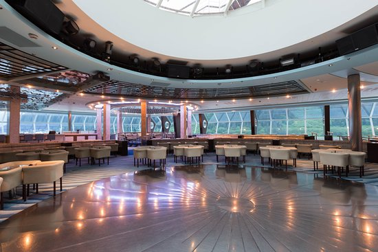 Cosmos Lounge on Celebrity Millennium