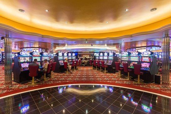 Harmony of the Seas: Casino Royale on Harmony of the Seas