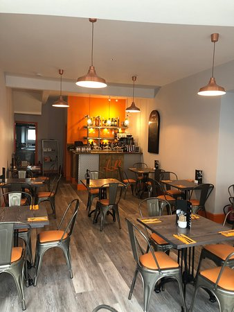 Labrows Bistro Bar