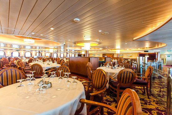 Moonlight Dining Room on Majesty of the Seas