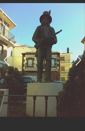 Miraflores de la Sierra, Spain: Monumento al Perrero
