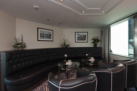 Panorama Lounge & Bar on ms Grace
