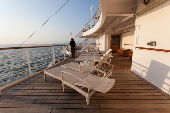 The Seabreeze Sun Deck on Crystal Symphony