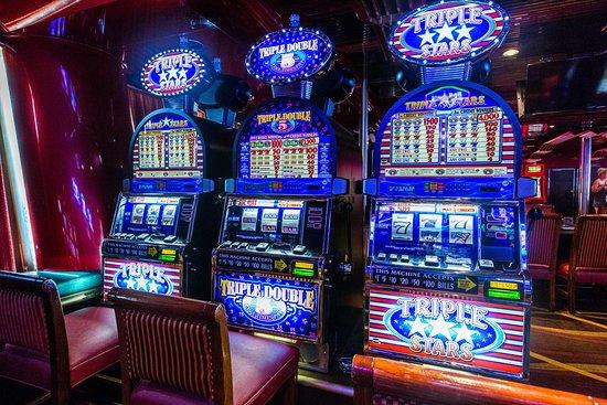 Club Vegas Casino on Carnival Sensation