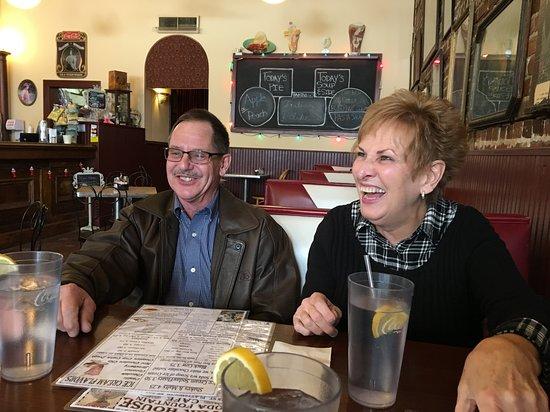 Plattsmouth, NE: Family enjoyed food at the River House.