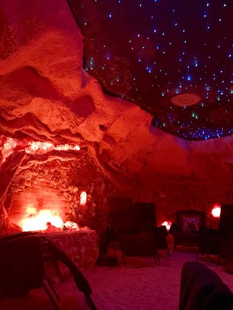 Oasis Salt Cave & Renew Wellness