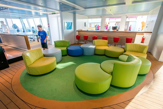 The Clubhouse on Carnival Vista