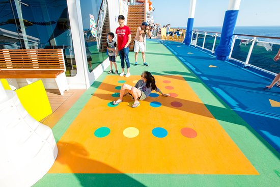 SkyGreens on Carnival Vista