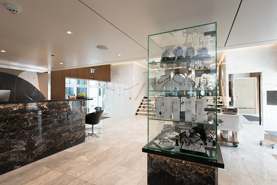 Lobby on Scenic Jasper