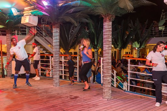 Lido Deck Activities on Carnival Fantasy