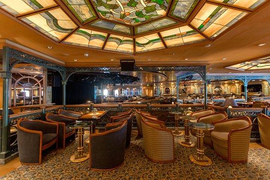 Explorers Lounge on Ruby Princess