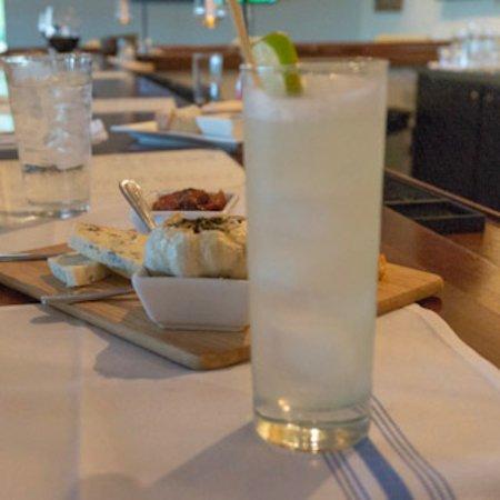 Lou's Bar & Grill : Happy Hour: House Cocktails $7 Mon-Thurs 4:30-6