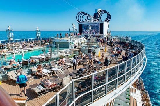Panorama Pool on MSC Seaview