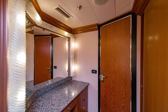 The Ocean Suite on Carnival Dream