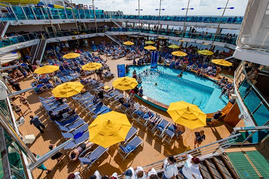 Waves Pool Activities on Carnival Dream