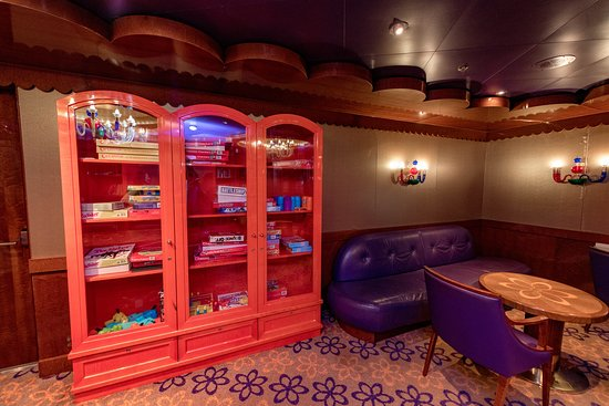 Page Turner Library on Carnival Dream