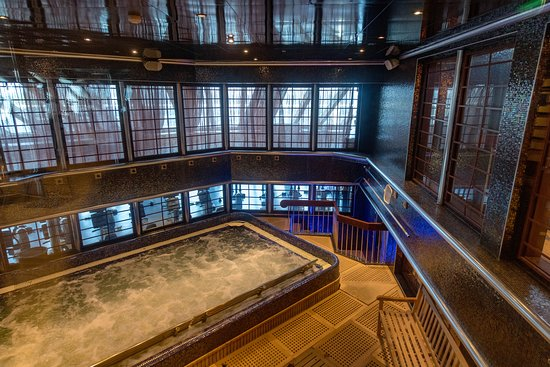 Thalassotherapy Pool on Carnival Dream