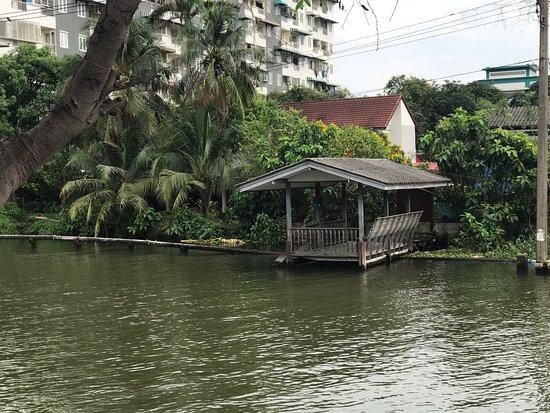 Talat Nam Song Khlong Wat Talingchan