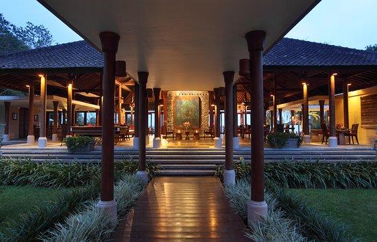 Lobby Wantilan Restaurant at Villa Puri Candikuning Resort Bedugul