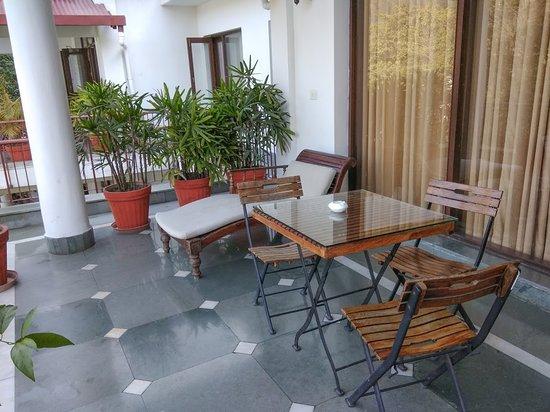 Neemrana's - Glasshouse on the Ganges: Balcony