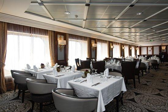 Discoveries Restaurant on Azamara Journey