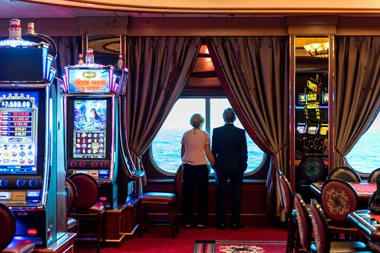 Empire Casino on Queen Mary 2 (QM2)