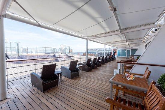 Terrace Bar on Queen Mary 2 (QM2)