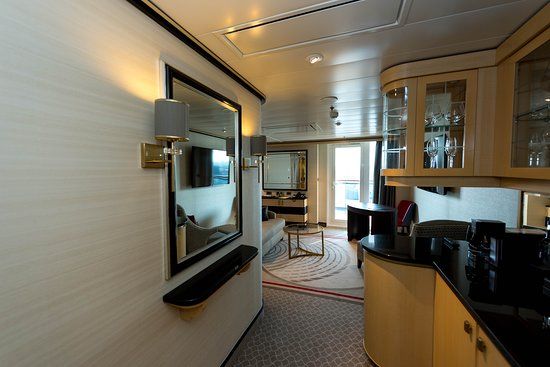 The Queens Grill Suite on Queen Mary 2 (QM2)