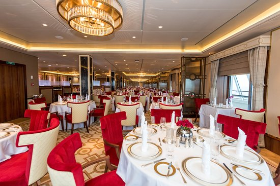 Queens Grill on Queen Mary 2 (QM2)