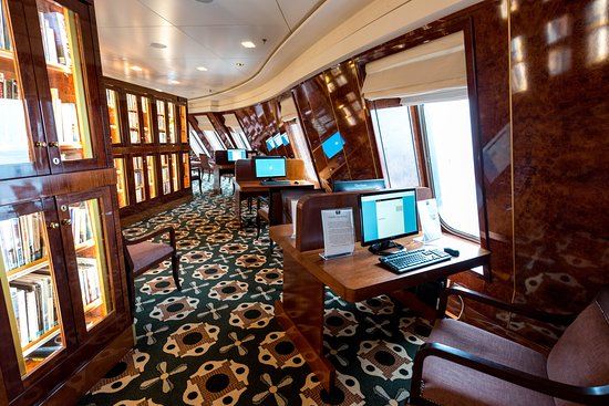 Library on Queen Mary 2 (QM2)